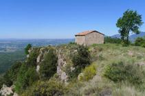 El serrat de Sant Isidre ens ofereix unes vistes espectaculars.