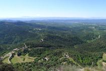 Vistes cap a la vall del Llobregat i el Bages (S).