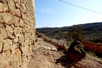 Parets de pedra seca a la casa de l´Estany.