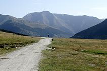 Tuc de Barlonguèra (2.802m) des del pla de Beret.