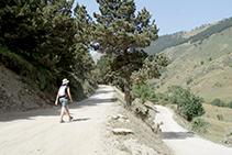 Fora de la ruta base: camí de tornada cap al pla de Beret des del poble abandonat de Montgarri.