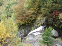 Ens trobem al punt més alt de la cascada del Saut deth Pish.