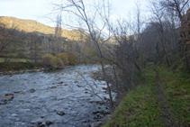 Bonic camí riberenc al costat del riu Noguera Pallaresa.