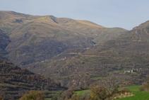 Vistes de la Vall d´Àssua des del camí de Rialp a Surp.