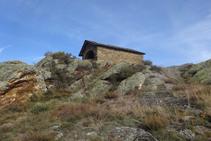 Ermita de Sant Josep d´Olp, al cim del serrat de Sant Josep.