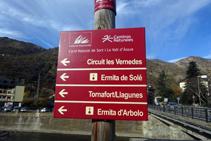 Senyal vertical de Camí Natural de Sort i la Vall d´Àssua.