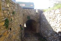 Passem per un túnel sota la carretera LV-5131.