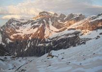 D´esquerra a dreta: Astazous, Marboré, pics de la Cascada i Espalda del Marboré.