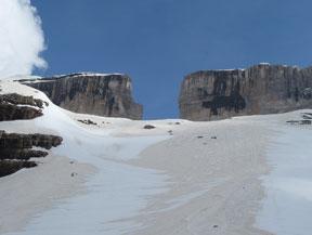 Taill�n (3.144m) per la Bretxa de Rotllan