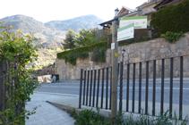 Carretera de la Rabassa a la urbanització de la Pleta de Sibós.