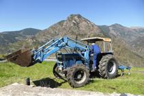 Pagès preparant el camp per sembrar-hi tabac.