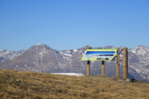 Montsent de Pallars i panell informatiu.