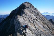 Desgrimpant per la cresta (Vignemale al fons).