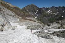 Descendint per la part baixa de la glacera.