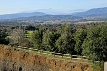 Vistes cap al Montseny des del mirador.