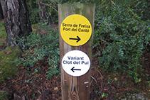 Senyalització del trencall del Clot del Pui.