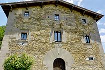La masia de l´Avenc, un casal renaixentista del segle XVI.